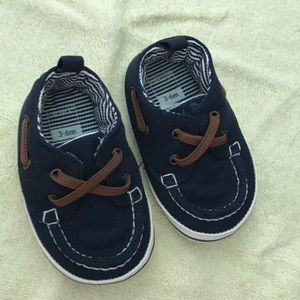 Carters 3-6m baby boy shoes